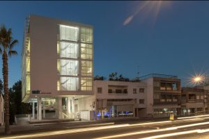 Smalto Dental Clinic in white expanded metal panel